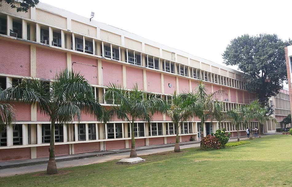 Top Five Aeronautical Engineering Institutes of India
