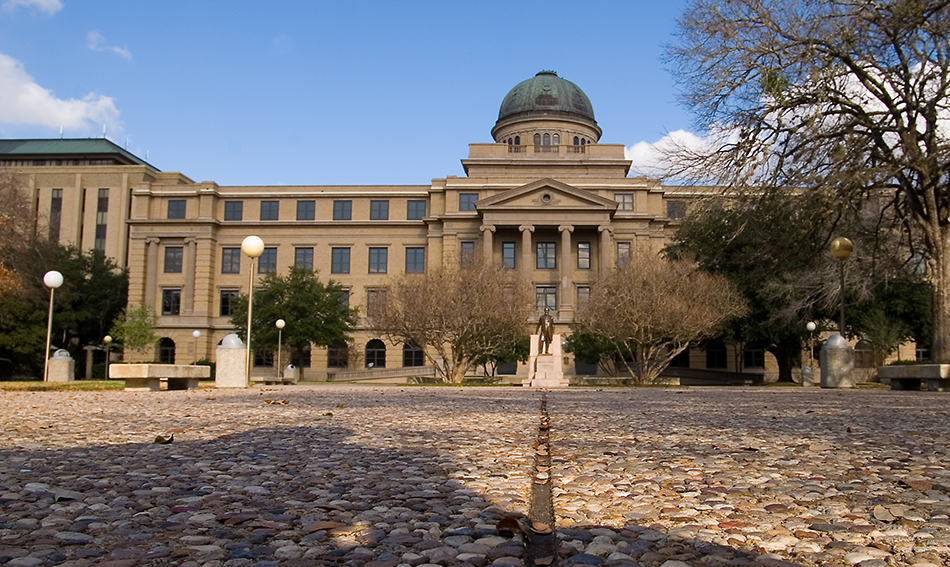 Nine Top Colleges in texas