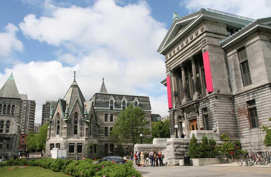 Top 10 Best Aeronautical Universities in Canada