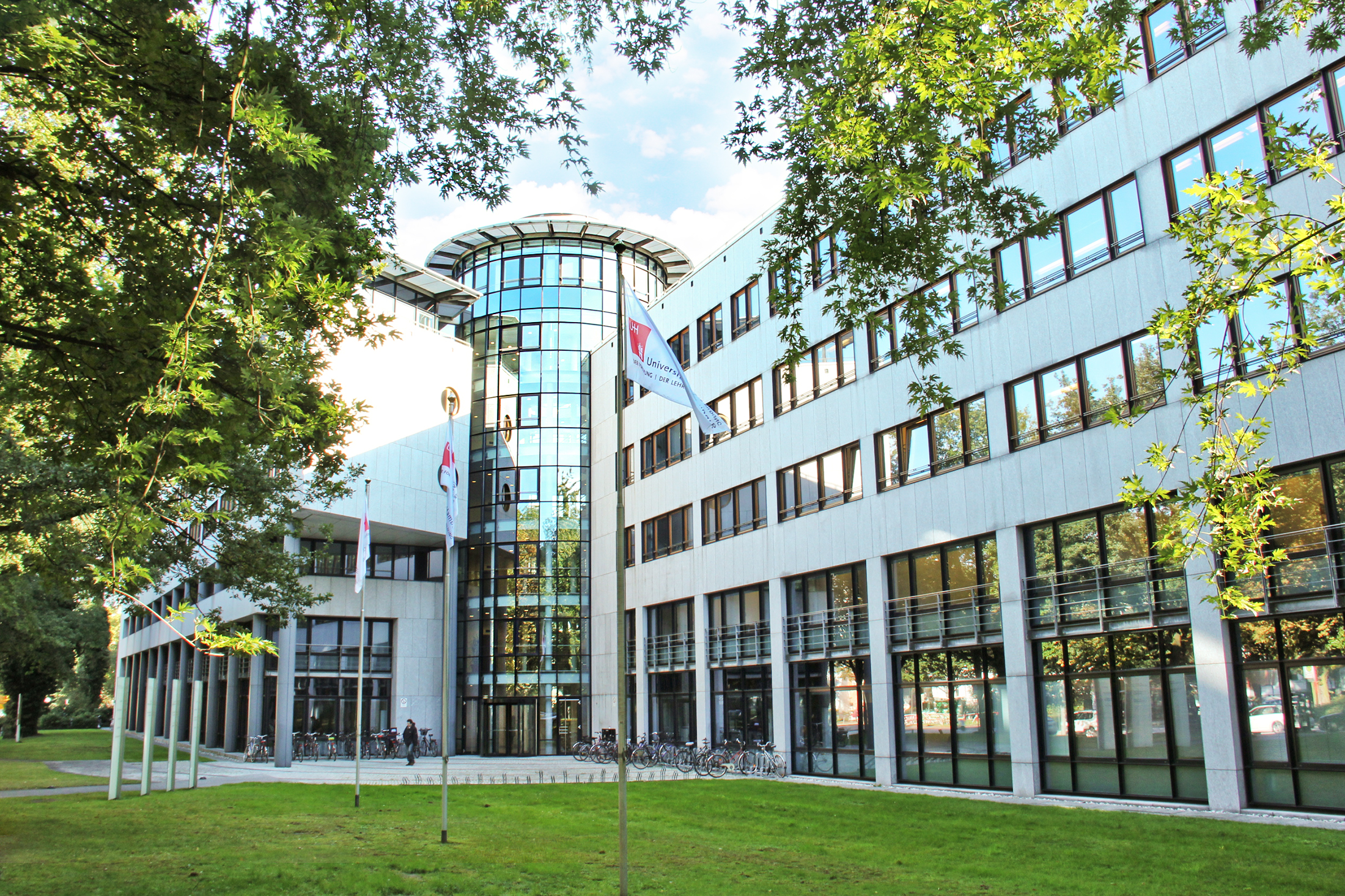 Best universities for physics and astronomy in germany ten for Hamburg universitat